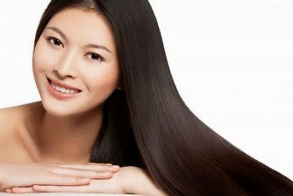 Dùng tinh dầu dừa mọc tóc giúp tóc chắc khỏe
