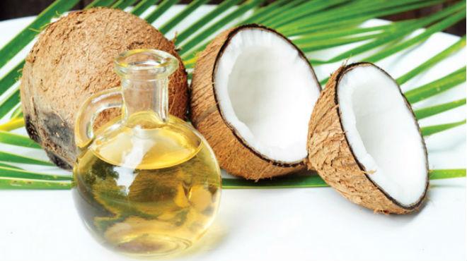 Tinh dầu dừa là sản phẩm làm đẹp đang rất được ưa chuộng